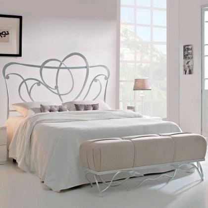 Кованая кровать Онса