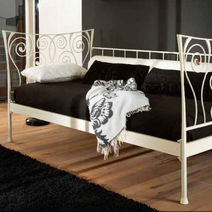 Кованая кровать Генильмо