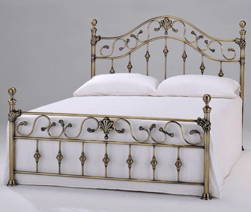 Кованые кровати из Индонезии