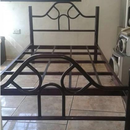 Кованая кровать Ольеж 1
