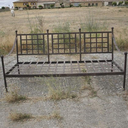 Кованый диван Арзиго 1