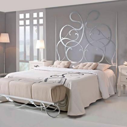 Кованая кровать Инамира 1