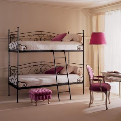 Кованая кровать Бронтео 1