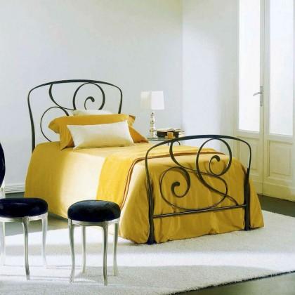 Кованая кровать Оллейф 1
