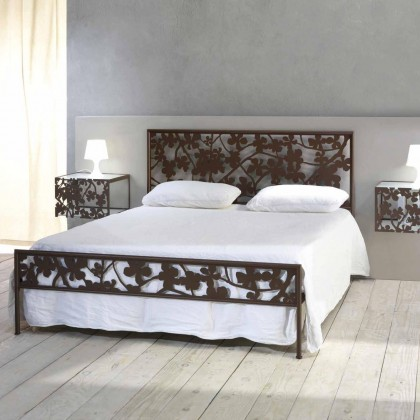 Кованая кровать Трисгри 1