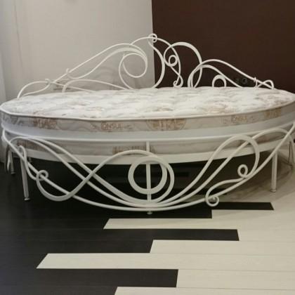 Кованая кровать Арнигунд 1