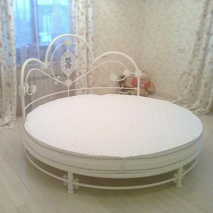 Кованая кровать Этельдора 1