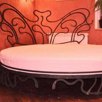 Кованая кровать Готтрауд 1