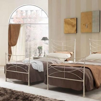 Кованая кровать Изенска 1