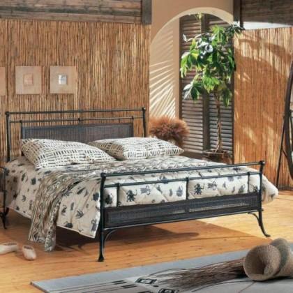 Кованая кровать Иувифф 1