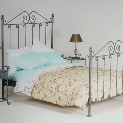 Кованая кровать Бруникро 1