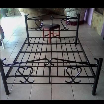 Кованая кровать Лютен 1