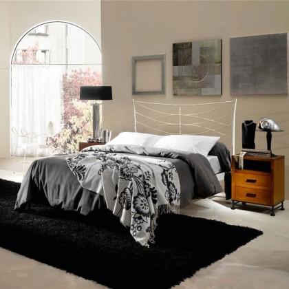 Кованая кровать Тиарнильм 1