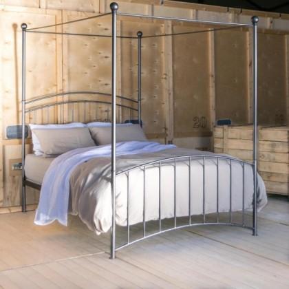 Кованая кровать Изенберт 1