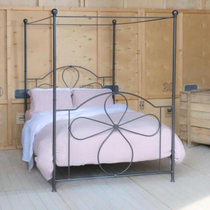 Кованая кровать Келерд 1