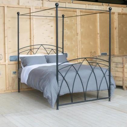 Кованая кровать Корус 1