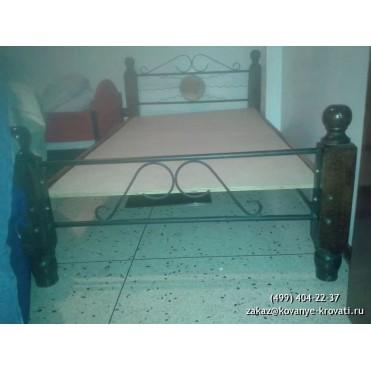 Кованая кровать Вомонд