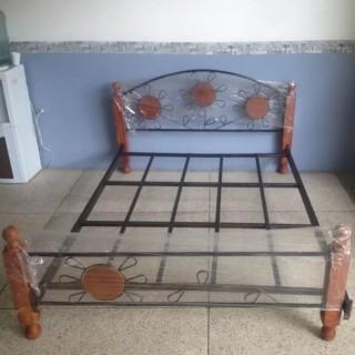 Кованая кровать Юниэп