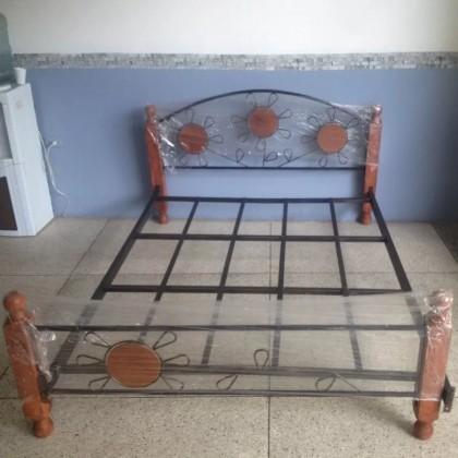 Кованая кровать Юниэп 1