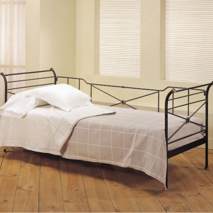 Кованая кровать Ровад 1
