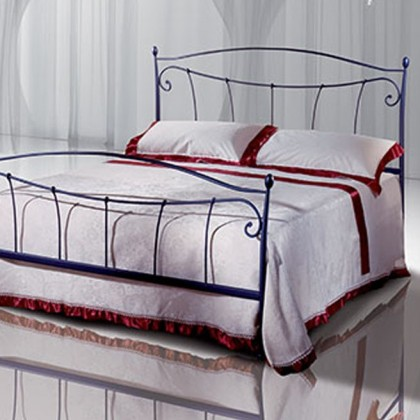 Кованая кровать Чехельма 1